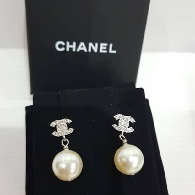 New Chanel Earring